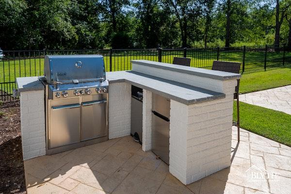 outdoor-kitchen-island
