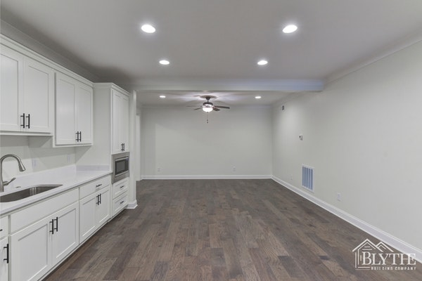 In Law Apartment With Living Space